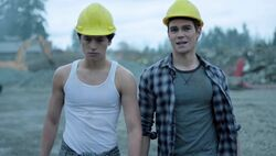 Season 1 Episode 8 The Outsiders Archie Jughead construction site