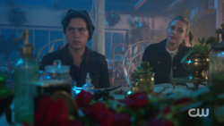 RD-Caps-2x02-Nighthawks-75-Jughead-Betty