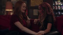 RD-Caps-2x17-The-Noose-Tightens-134-Cheryl-Toni