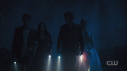 RD-Caps-3x22-Survive-The-Night-81-Archie-Veronica-Jughead-Betty