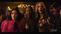 KK-Caps-1x12-Chain-of-Fools-114-Katy-Josie-Jorge-Ginger