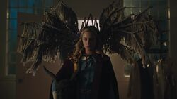 RD-Caps-3x08-Outbreak-108-Betty-Gryphon-Queen