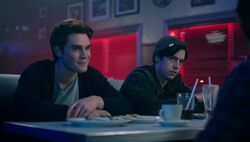 Season 1 Episode 7 In a Lonely Place Archie Jughead 1