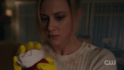 RD-Caps-2x13-The-Tell-Tale-Heart-28-Betty