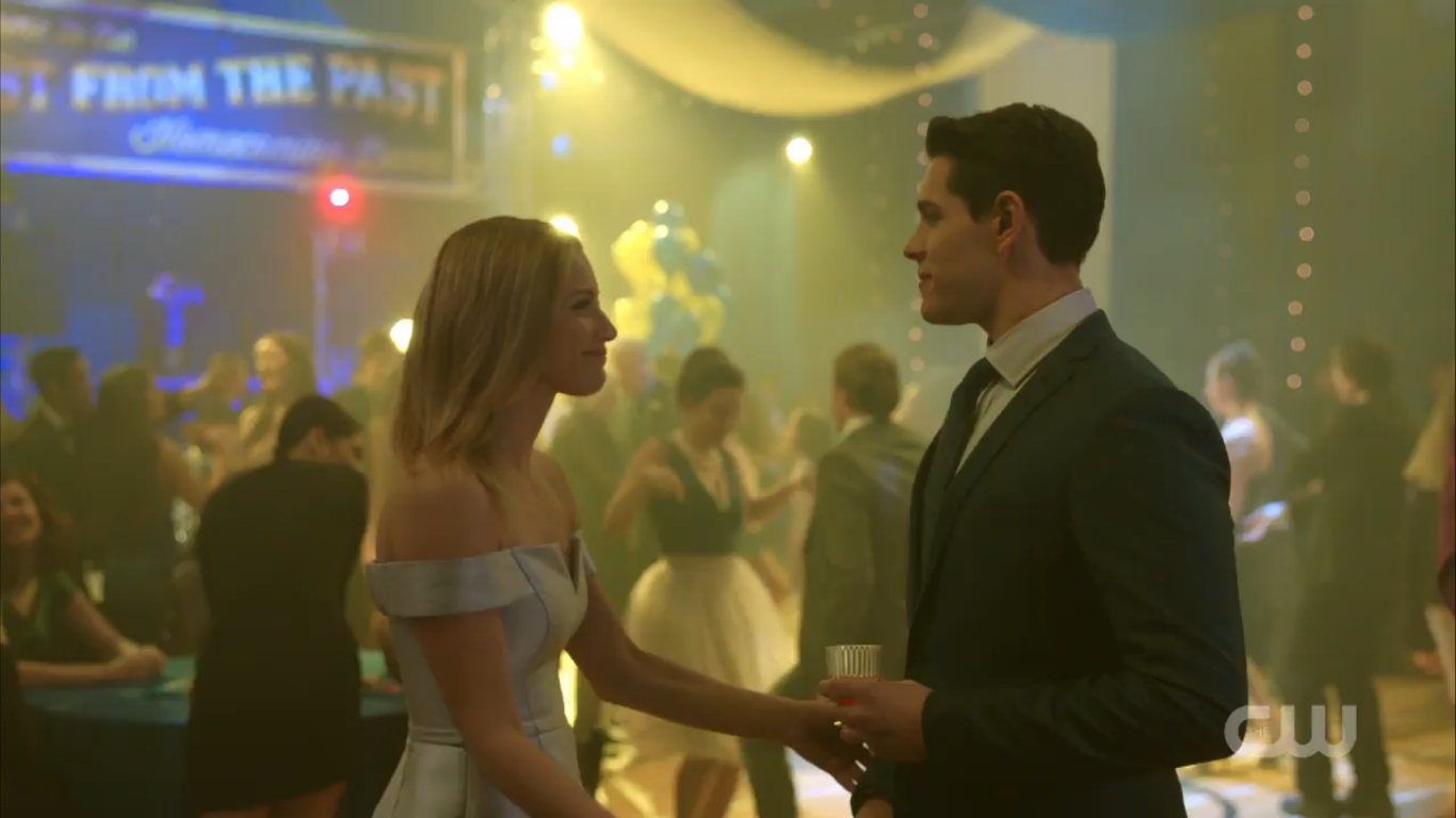 Season_1_Episode_11_To_Riverdale_and_Back_Again_Betty_and_Kevin_2.png