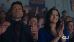 RD-Caps-2x11-The-Wrestler-100-Hiram-Veronica
