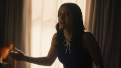 RD-Caps-4x17-Wicked-Little-Town-88-Veronica