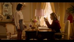 KK-Caps-1x10-Gloria-56-Katy-Amanda