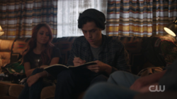 RD-Caps-2x11-The-Wrestler-29-Toni-Jughead