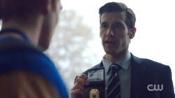 RD-Caps-2x10-The-Blackboard-Jungle-32-Special-Agent-Adams