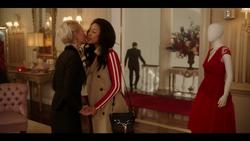 KK-Caps-1x01-Pilot-12-Gloria-Alexandra