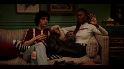 KK-Caps-1x10-Gloria-23-Jorge-Josie