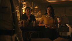 RD-Caps-3x03-As-Above-So-Below-49-Reggie-Veronica