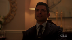 RD-Caps-2x01-A-Kiss-Before-Dying-148-Hiram