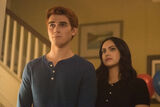 RD-Promo-2x22-Brave-New-World-01-Archie-Veronica