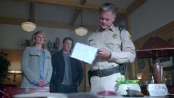 RD-Caps-2x03-The-Watcher-in-the-Woods-70-Alice-Hal-Sheriff-Keller