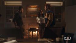 RD-Caps-2x11-The-Wrestler-85-Hiram-Veronica-Archie