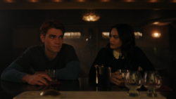 RD-Caps-4x14-How-to-Get-Away-with-Murder-38-Archie-Veronica
