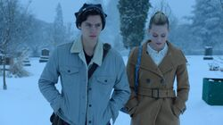 Season 1 Episode 13 The Sweet Hereafter Betty Jughead (1)
