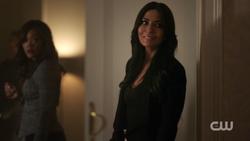 RD-Caps-2x10-The-Blackboard-Jungle-05-Mayor-Sierra-McCoy-Hermione