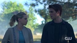 RD-Caps-2x05-When-a-Stranger-Calls-06-Betty-Archie