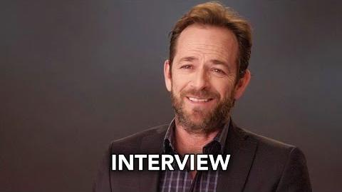 Riverdale (The CW) Luke Perry Interview HD