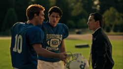 RD-Caps-4x02-Fast-Times-at-Riverdale-High-74-Archie-Reggie-Marty