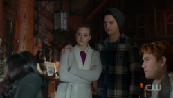 RD-Caps-2x14-The-Hills-Have-Eyes-44-Betty-Jughead