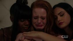 RD-Caps-2x05-When-a-Stranger-Calls-148-Josie-Cheryl-Veronica