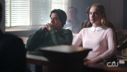 RD-Caps-2x02-Nighthawks-105-Jughead-Betty