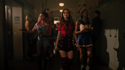 RD-Caps-4x02-Fast-Times-at-Riverdale-High-49-Toni-Cheryl
