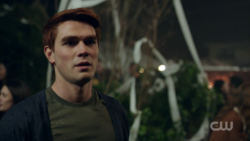 Season 1 Episode 10 The Lost Weekend Archie drunk