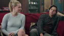 Season 1 Episode 8 The Outsiders Betty Jughead (1)