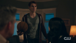 RD-Caps-2x11-The-Wrestler-14-Archie
