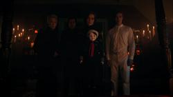 RD-Caps-4x06-Hereditary-19-Nana-Rose-Clifford-Penelope-Julian-Jason