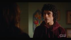 KK-Caps-1x11-Who-Can-I-Turn-To-26-Jorge