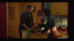 KK-Caps-1x12-Chain-of-Fools-51-Luis-Jorge