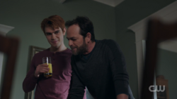 RD-Caps-2x15-There-Will-Be-Blood-36-Archie-Fred