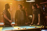 RD-Promo-2x05-When-a-Stranger-Calls-04-Tall-Boy-Jughead-Sweet-Pea