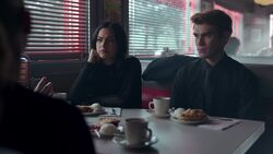 RD-Caps-2x19-Prisoners-23-Veronica-Archie