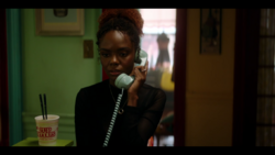 KK-Caps-1x05-Song-for-a-Winters-Night-58-Josie