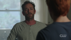 RD-Caps-2x08-House-of-the-Devil-41-Fred