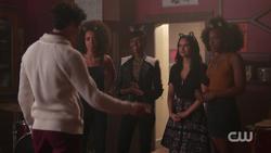 RD-Caps-2x05-When-a-Stranger-Calls-60-Nick-Valerie-Josie-Veronica-Melody