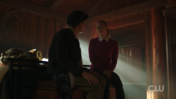 RD-Caps-2x14-The-Hills-Have-Eyes-41-Betty-Jughead