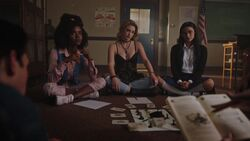 RD-Caps-3x04-The-Midnight-Club-64-Teen-Sierra-Teen-Alice-Teen-Hermione