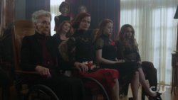 RD-Caps-2x15-There-Will-Be-Blood-41-Nana-Rose-Penelope-Cheryl-Toni