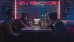 RD-Caps-3x10-The-Stranger-09-Archie-Veronica-Jughead-Betty