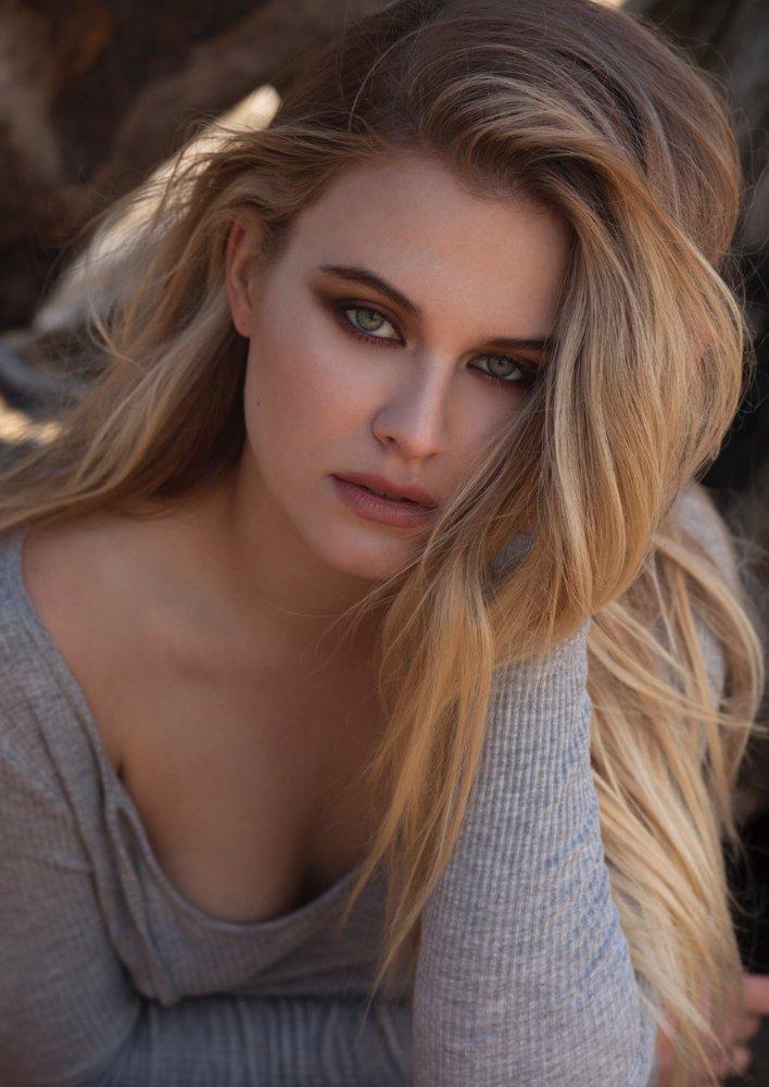 Tiera Skovbye Riverdale Wiki Fandom Powered By Wikia