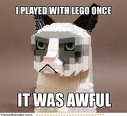 Grumpy-cat-lego