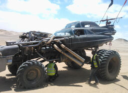 Car-madmax-31fb